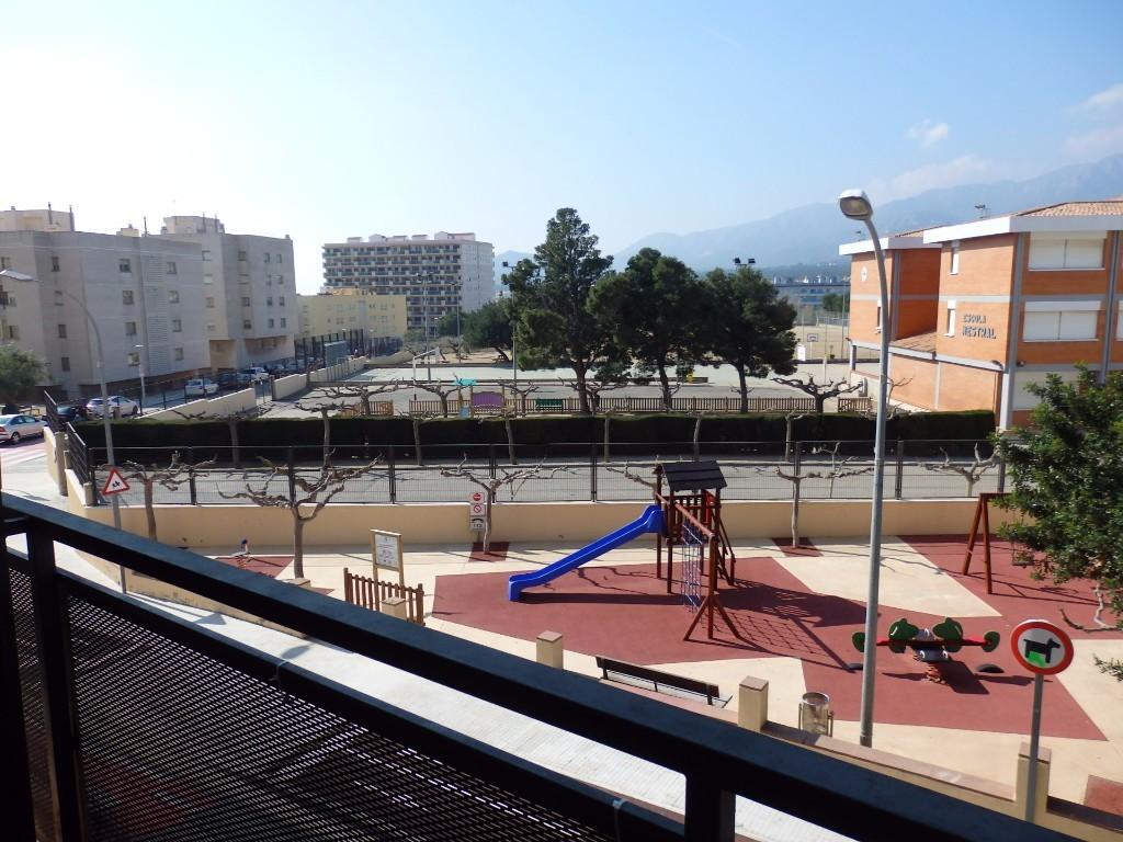 Piso c ntrico de 3 habitaciones en hospitalet - Pisos en hospitalet centro ...
